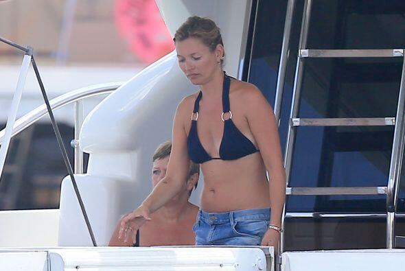 La top model, Kate Moss, está tomando unas merecidas vacaciones.