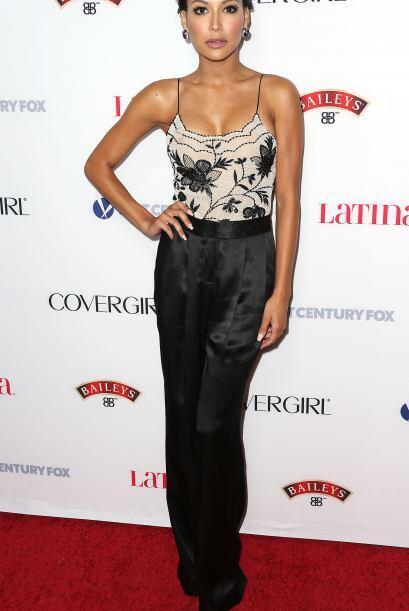 La actriz se presentó en una alfombra roja en Hollywood luciendo...