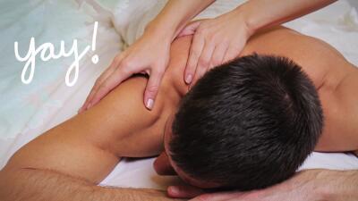 Hombre tomando un masaje