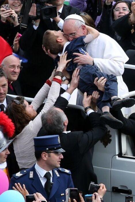 En este año ha logrado, como ningún otro Papa, una gran popularidad entr...