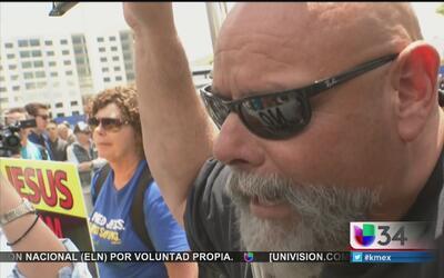 Confrontaciones en Anaheim por evento de Donald Trump