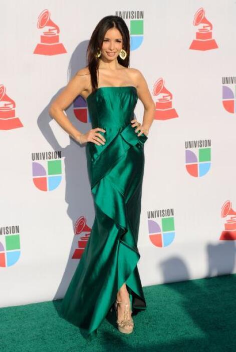 En la entrega de los Latin GRAMMY 2010, Giselle estuvo más bella que nunca.