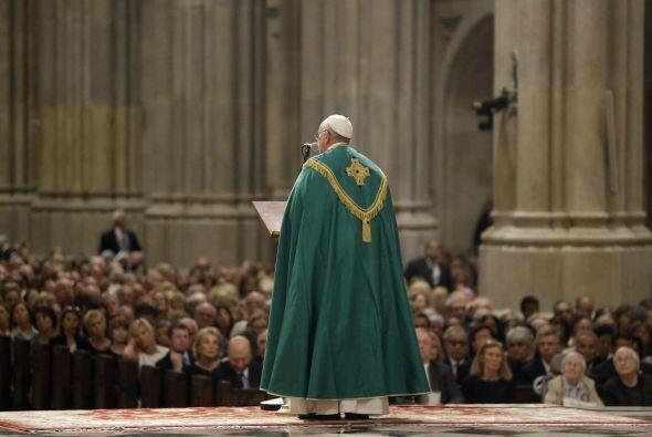 El pontífice lideró el servicio religioso.
