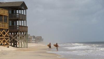 Se espera que Arthur llegue como huracán categoría 2 a las costas de Car...