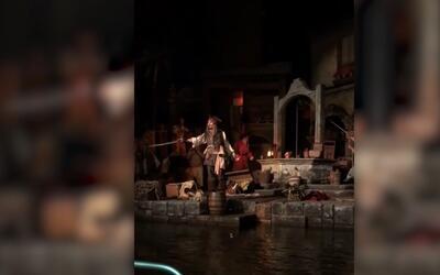 El verdadero Jack Sparrow sorprende a visitantes en Disney