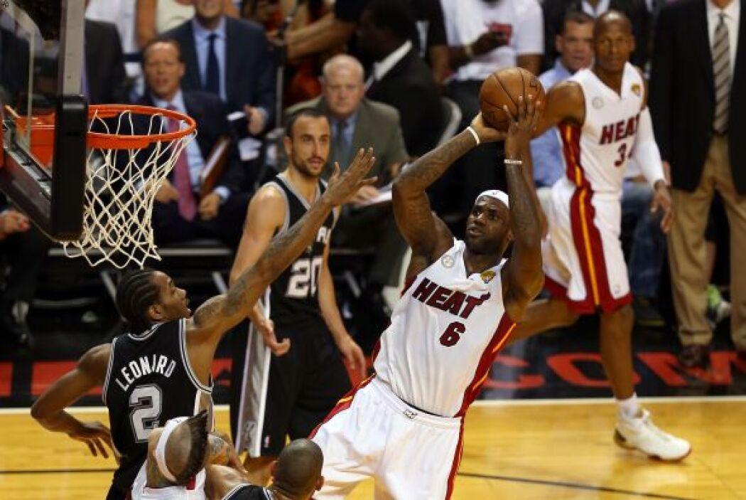 Estadísticamente, los 17 puntos de LeBron James no fueron impresionantes.