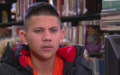Estudiante universitario mexicano que vive en Kansas considera la autode...