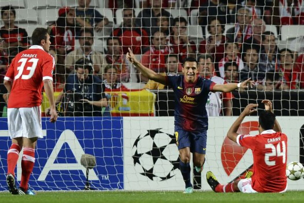 El chileno lograba el 1-0 luego de una jugada en la que Lionel Messi esc...