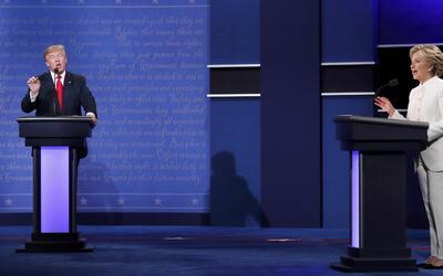 Los momentos más controversiales del último debate entre Hillary Clinton...