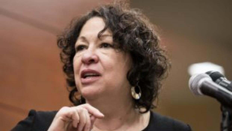 La jueza Sonia Sotomayor alertó que esto representa discriminación racia...
