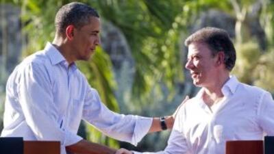 Santos y Obama se comprometieron a poner en marcha el TLC entre EU y Col...