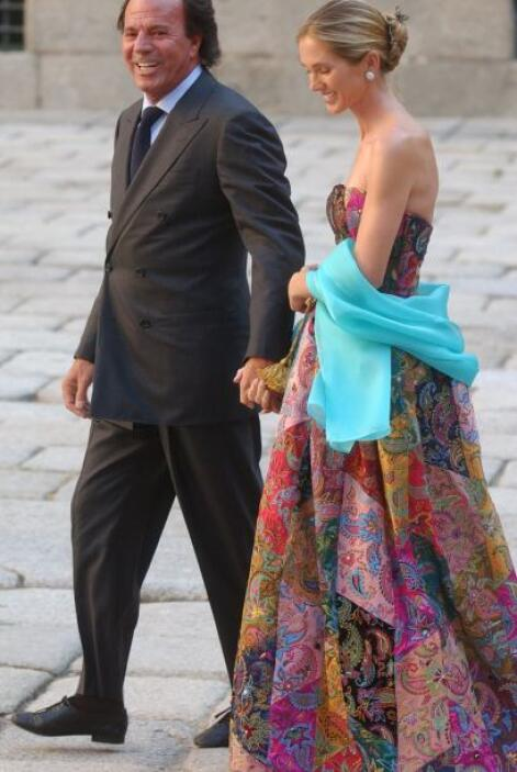 Con su segunda esposa Miranda Rijnsburger tiene cinco hijos: Miguel Alej...
