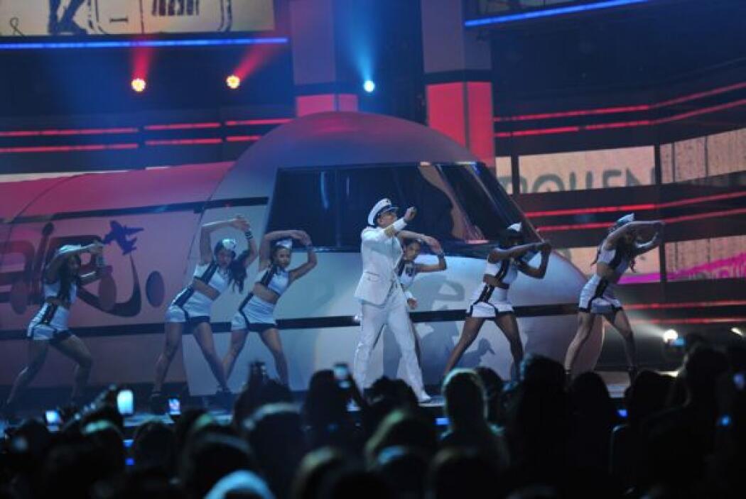 Pitbull y Chris Brown en Premio Lo Nuestro 2012