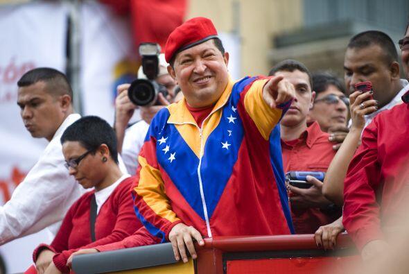 Junio 11- Hugo Chávez presenta su candidatura a las presidenciales por t...