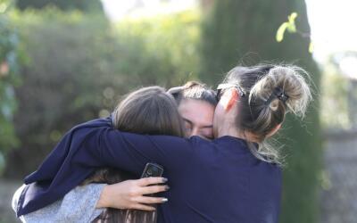 El sospechoso, un estudiante de 17 años, iba armado con un rifle,...