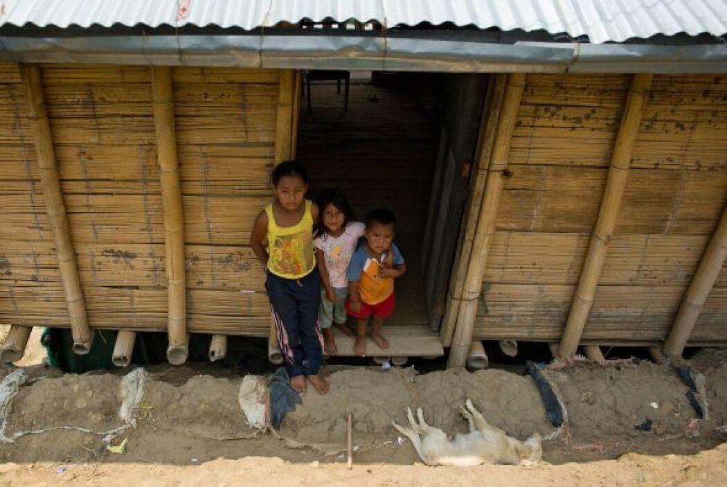 El total de desplazados internos por conflictos armados, violencia y abu...