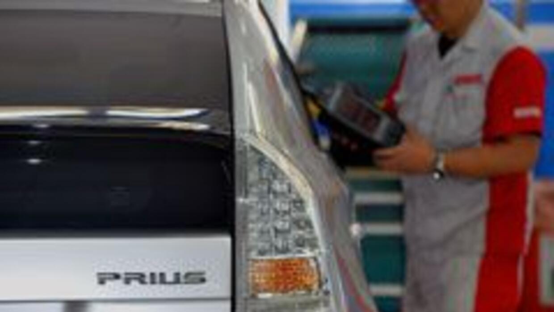 Más fallas en Toyota 'reparados'