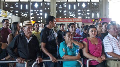 Salvadoreños temen que aumenten las deportaciones de sus compatriotas co...