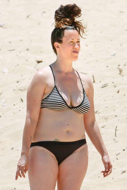 No debería ponerse bikini. Mira aquí los videos más...