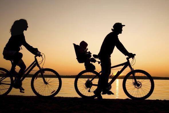 Paseo nocturno en bicicletas. ¿Les gusta la vida en dos ruedas? N...