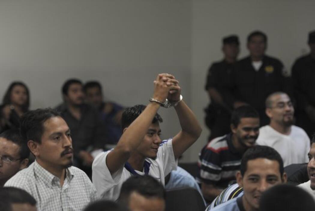 El tribunal especializado de sentencia de la capital exoneró a otros 20...