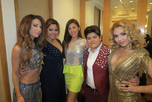 ¡Puras chicas lindas! Joyce, Vivian, Aly, Stephanie y Paloma.
