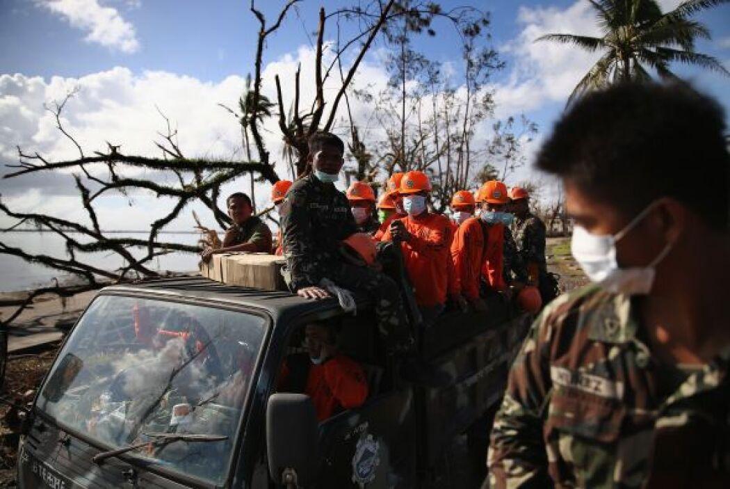 Países de todo el orbe han llegado hasta la devastada Filipinas para ayu...