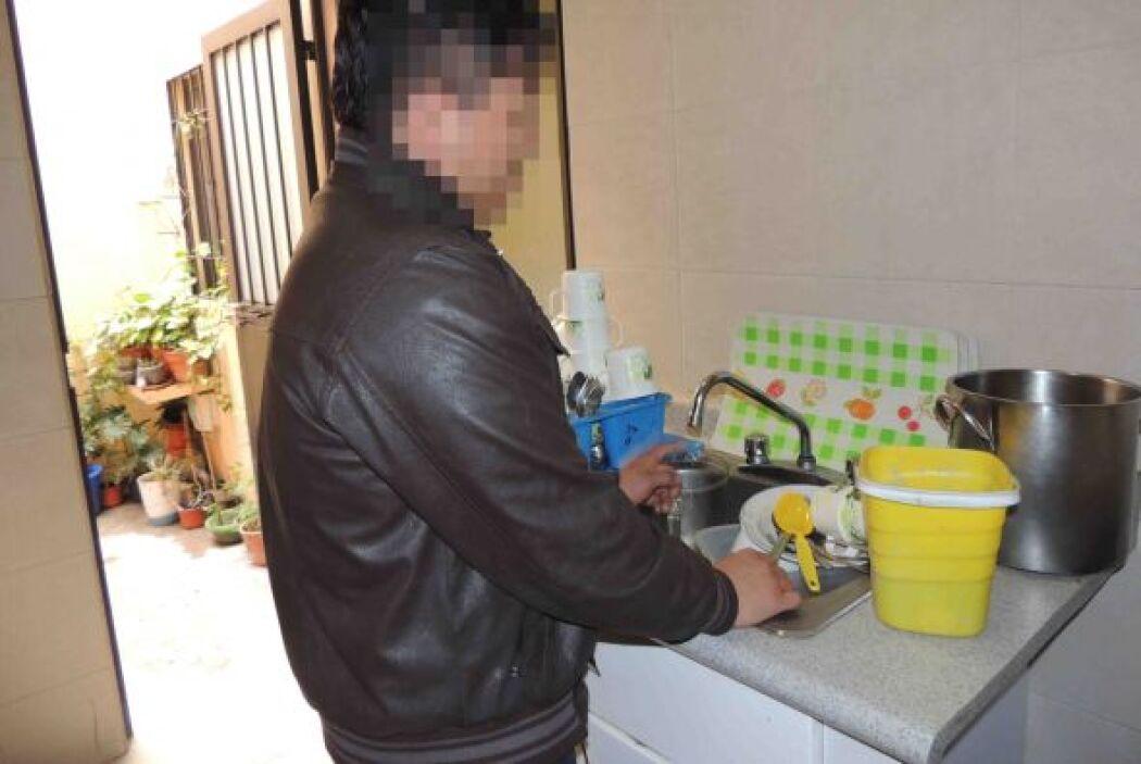 Tenía que participar en las labores domésticas, como cada uno de los que...
