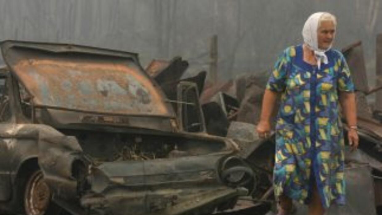 Los incendios, desatados hace unas dos semanas tras una grave sequía, ha...