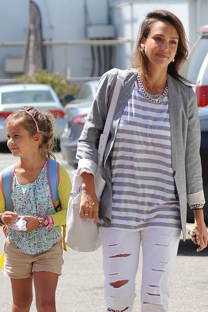La estrella de cine llevó a su hija Honor a sus oficinas en West Hollywo...