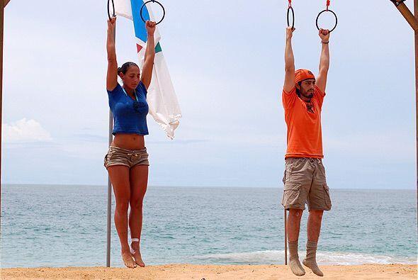 Demostrando sus dotes de gimnasta, Ana María se llevó este punto para la...