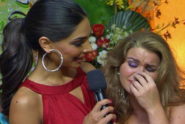 Alejandra consoló a Ana Giselle luego de que el jurado la despidi...