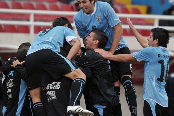 El festejo charrúa no se hizo esperar, Uruguay arrancó la...