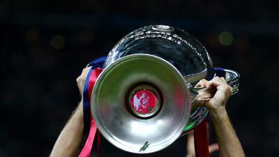 Xavi Hernández celebró retirarse del Barcelona como Campeón de Europa.