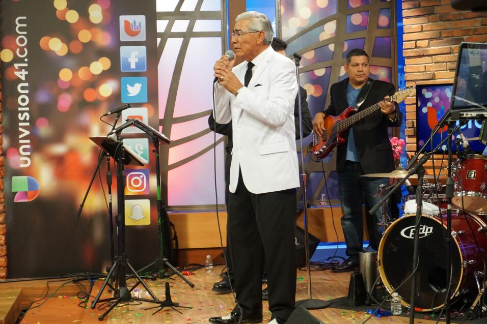 Ruben Ramos' Performance Live Inside The Uforia Lounge
