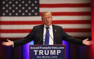 Donald Trump en un evento de recaudación de fondos para veteranos...