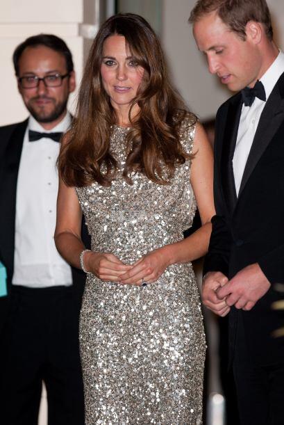 Así lució Kate en su primera salida nocturna, también con un vestido lle...