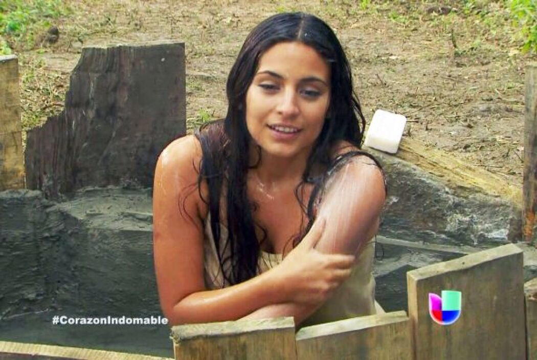 La verdad es que, aunque no parecía, ella sí se daba sus buenos baños en...