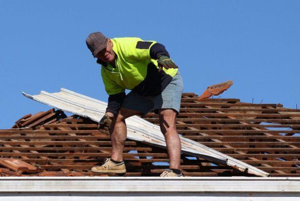 Aquellas labores realizadas en o cerca de un tejado.
