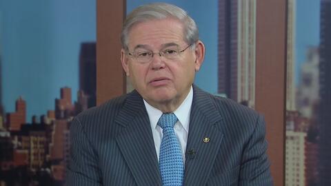 """El senador Menéndez sobre las inversiones de EEUU en Cuba: """"Estamos ayud..."""
