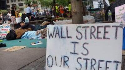 El movimiento Occupy Wall Street se manifiesta en contra de los manejos...