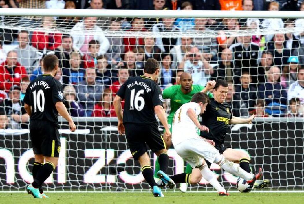 El triunfo del Swansea tuvo sabor español, ya que Pablo Hernández hizo e...
