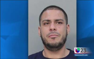 Lo arrestan poco después de robarse anillo de $8 mil