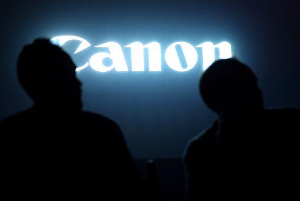 3.  La japonesa Canon lideró el registro de patentes en la isla a...