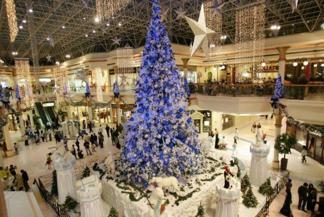9. Dubai.- Este lejano reino de las compras tiene el centro comercial má...