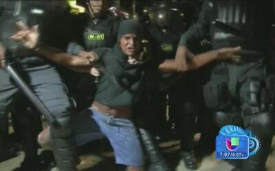 Primer día del Mundial empañado con disturbios en Brasil