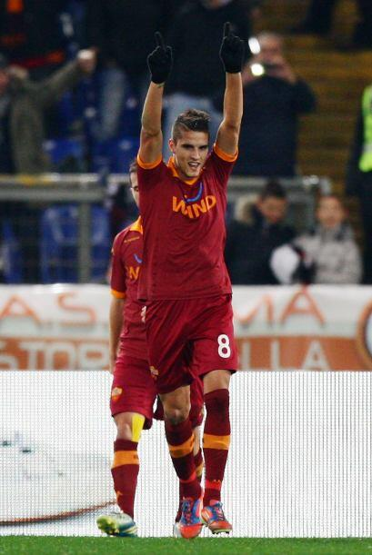 Lamela hizo dos de los cuatro goles de los romanos para asegurar el triu...