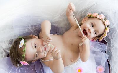 Erika y Eva, las niñas milagro.