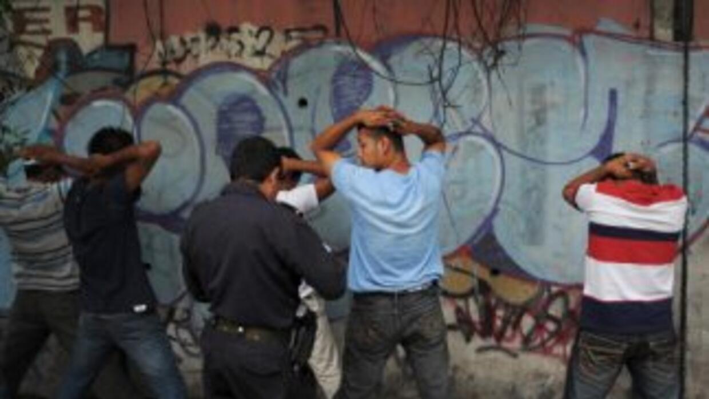 """Los Zetas están facilitando """"armas largas"""" a las pandillas de El Salvado..."""