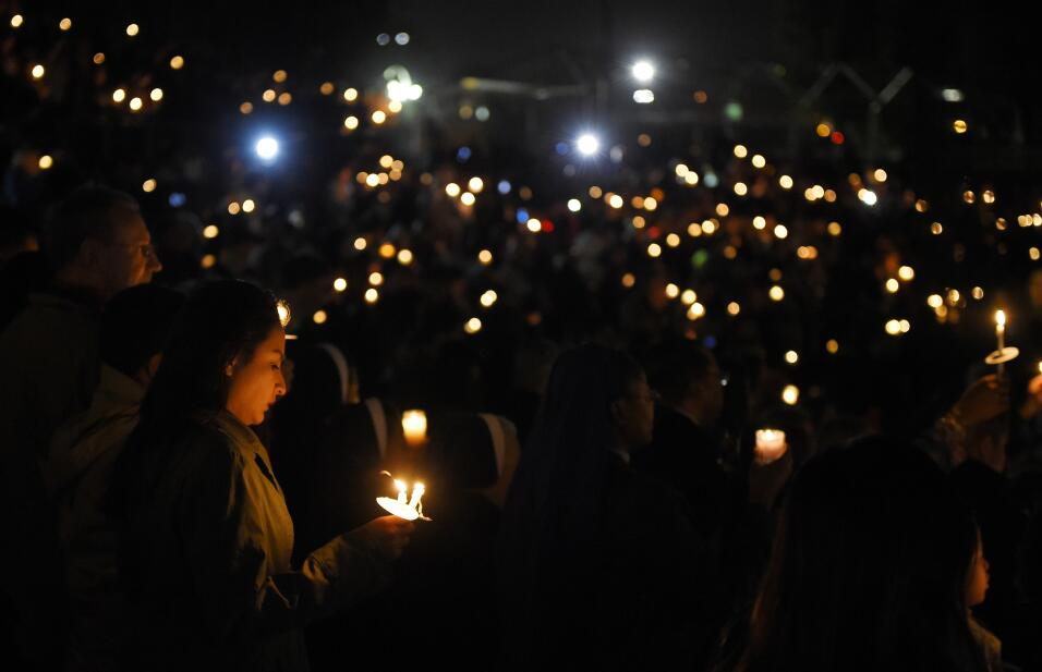 Las víctimas hispanas de tiroteo en California  vigilia16.jpg